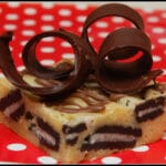 WHITE CHOCOLATE BROWNIES WITH OREOS & HANDMADE CHOCOLATE CURLS!