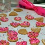 MINI GRAHAM CRACKERS WITH PINK CHOCOLATE & SPRINKLES