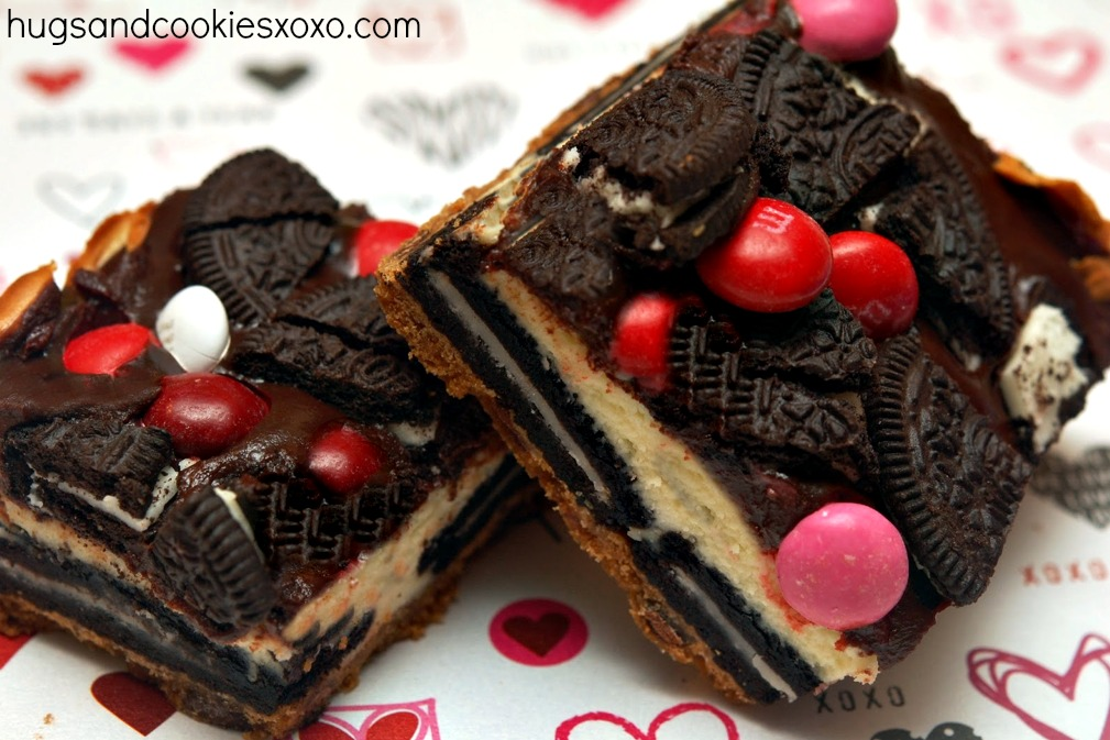 OREO CHEESECAKE BARS ON A CHOCOLATE CHIP COOKIE CRUST TOPPED WITH A ...