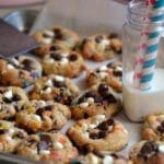 FUNFETTI SPRINKLE COOKIES THAT WILL MAKE YOU SMILE! XO