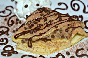CREPES STUFFED WITH CHOCOLATE CHIP COOKIE DOUGH