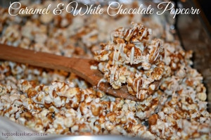 CARAMEL & WHITE CHOCOLATE POPCORN