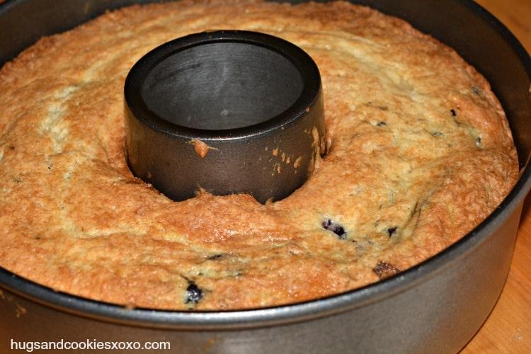 blueberr-cake-cooling