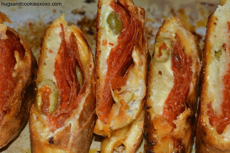 pepperoni bread slices