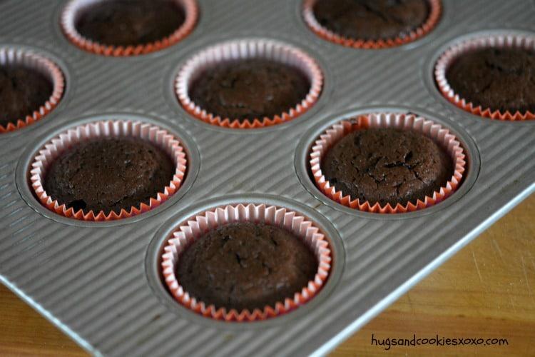 flourless cupcakes pan