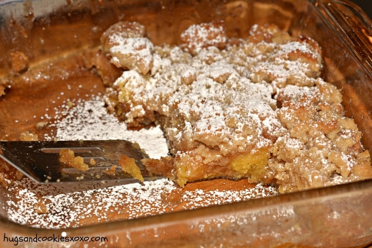 crumb cake doughnuts
