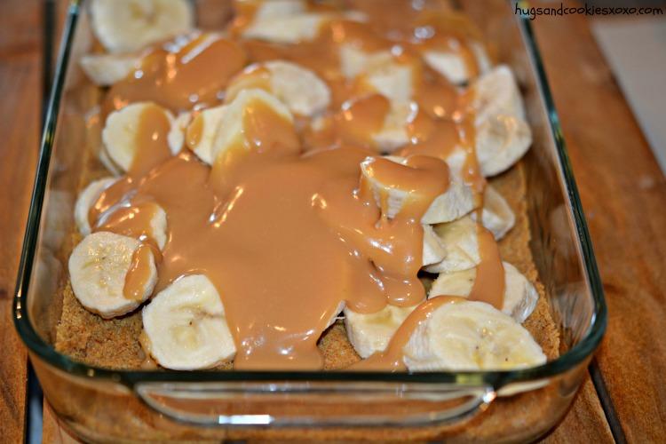banana caramel slab pie