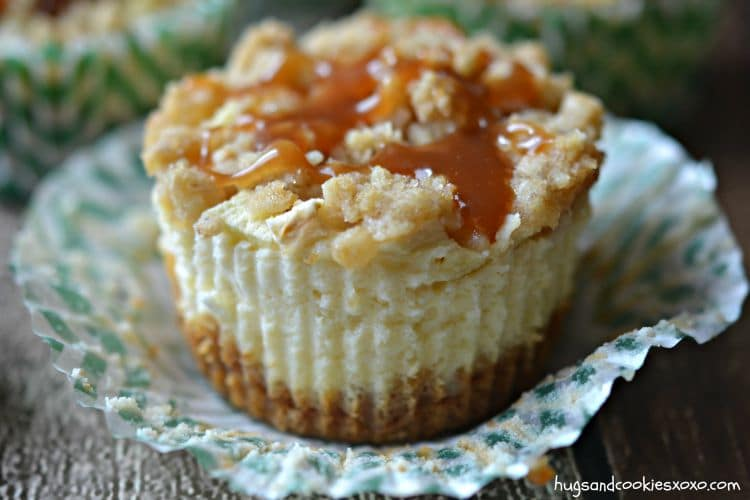 apple streusel cheesecake mini