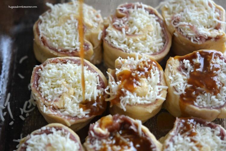 prosciutto rolls sauce
