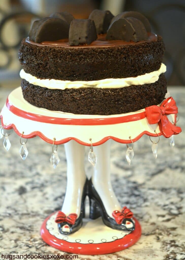 ring ding cake stand
