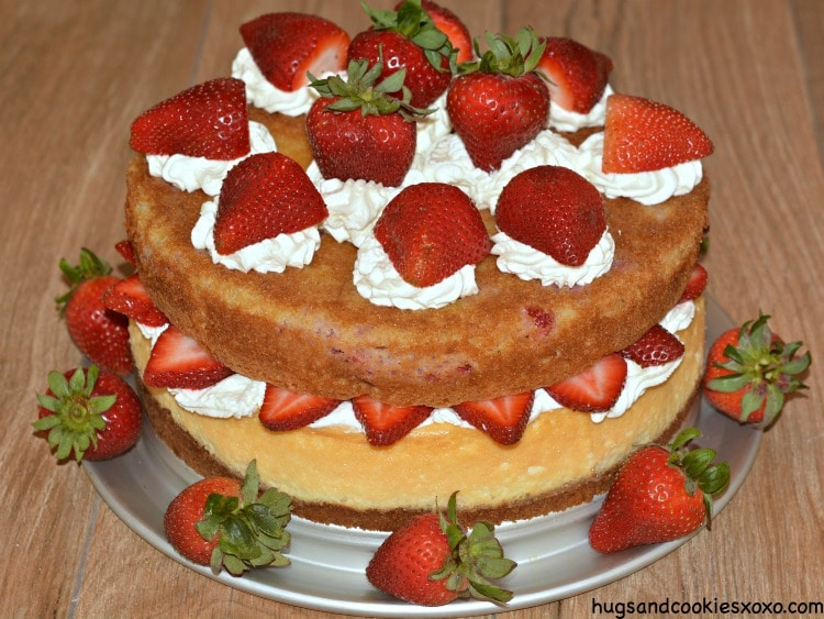 strawberry layer cake cheesecake
