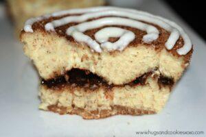 Cinnamon Roll Mini Cheesecakes