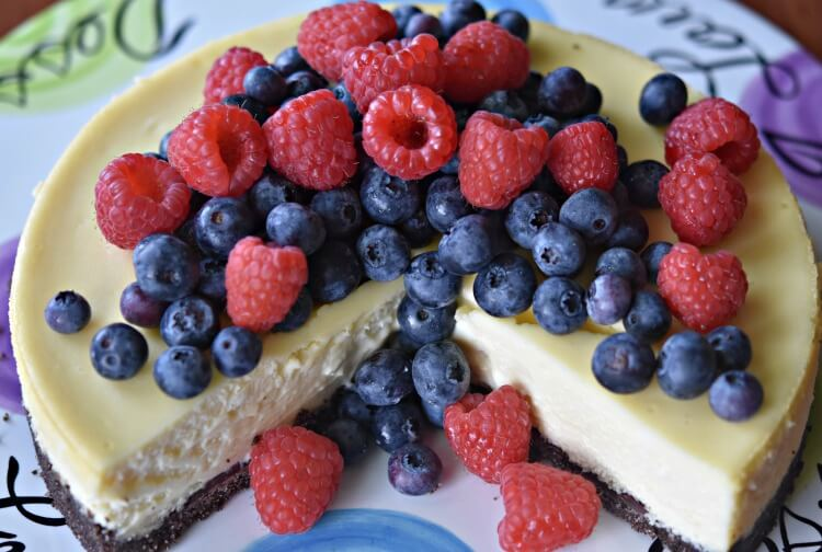 Berry Cheesecake with Double Chocolate Crust
